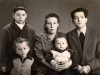 <p>My famaly (from left to right) senior brother Lev, elder brother Efim, father, mother and I on her hands</p>